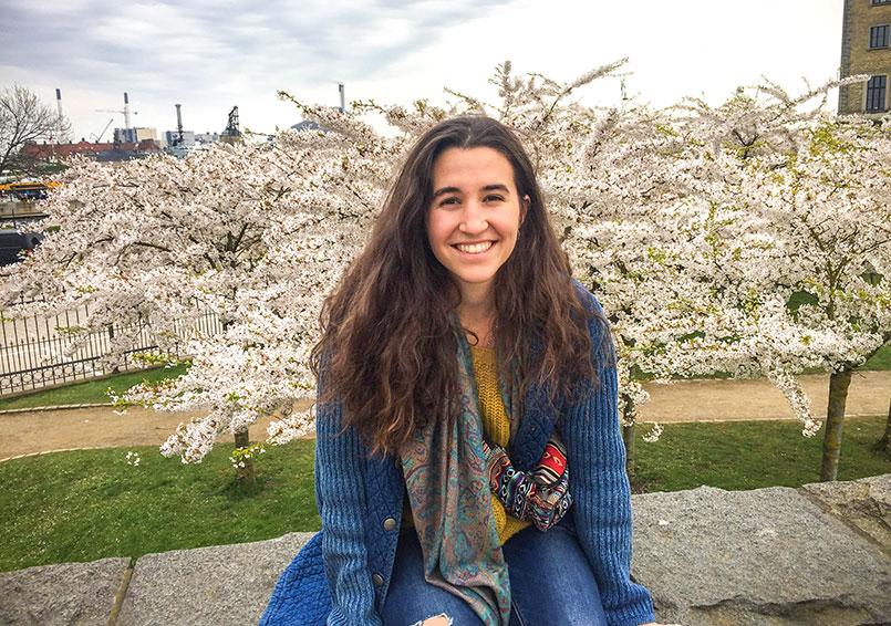 Entrevistem a l'Eva Duran, exalumna del Ginebró